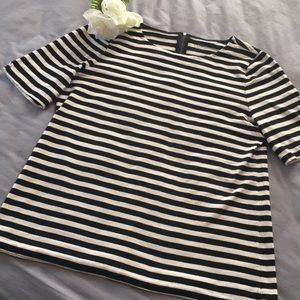 And Taylor loft short sleeve striped top